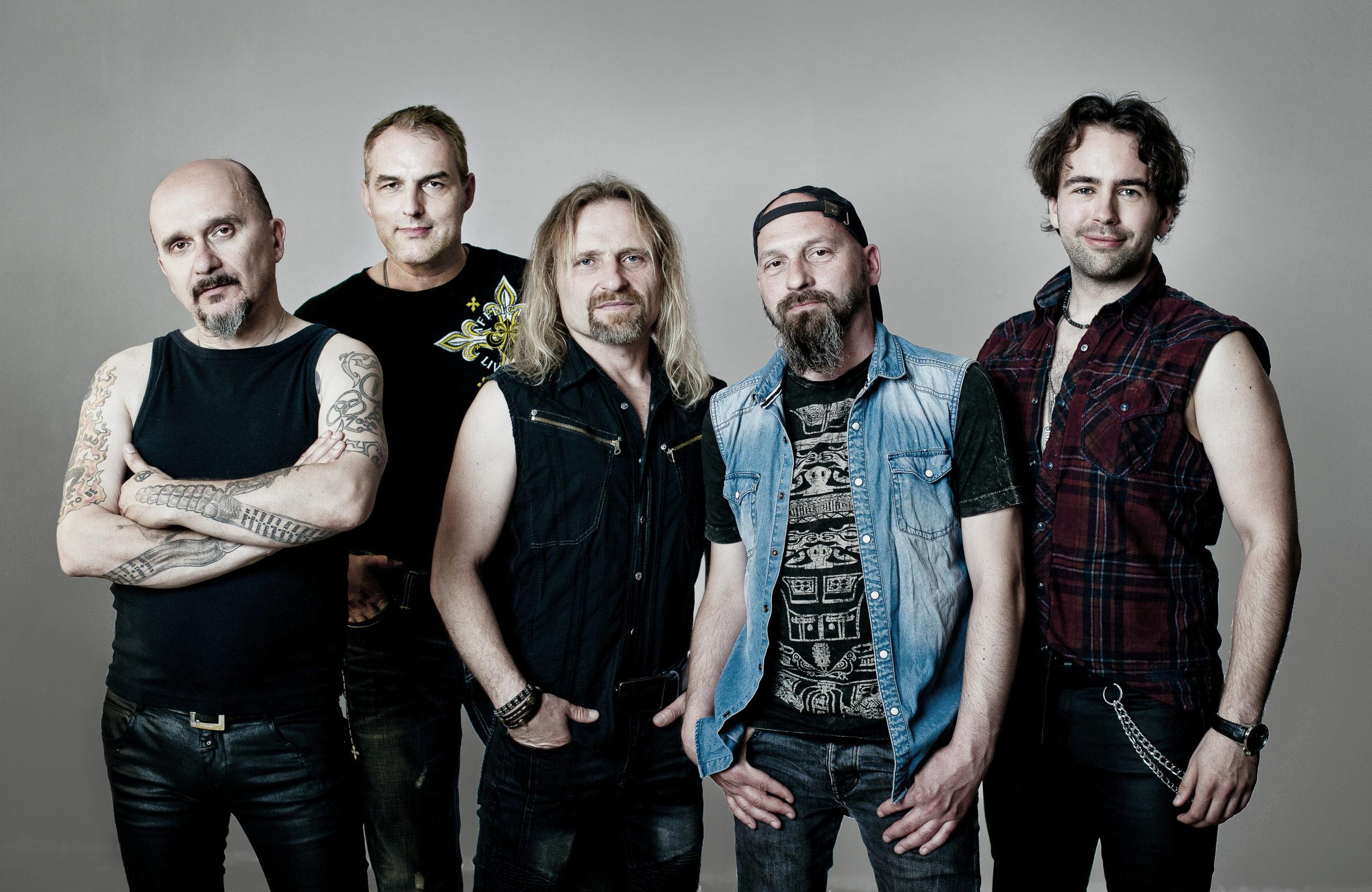 """""""4Szmery"""" potwierdzają udział w Charity Rock Festival"""